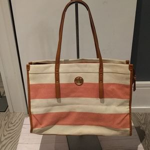 Beautiful canvas bag by Tommy Hilfiger 🌸
